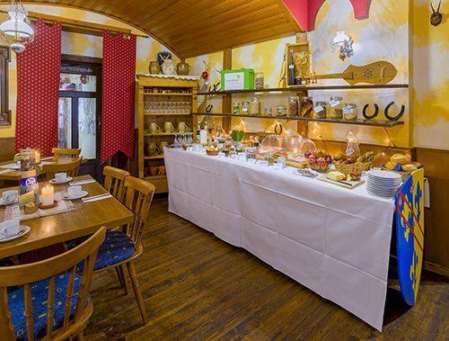 Frühstücksbüffet im Hotel Drei Lilien